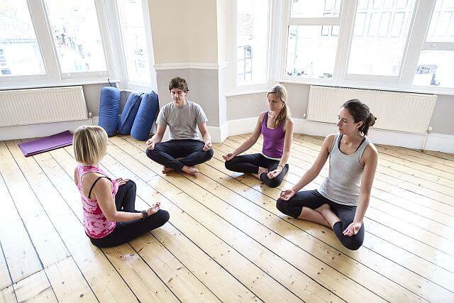 yoga class henley